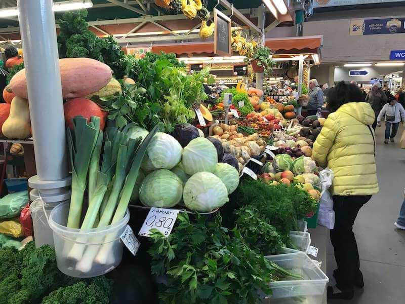 リガの市場で売られている野菜
