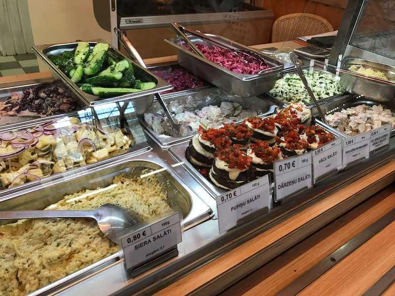 リガの市場のレストラン