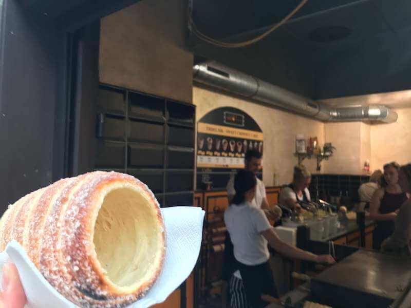 チェコ・プラハ◆伝統筒型のお菓子・トゥルデルニークのお勧め店はここ!
