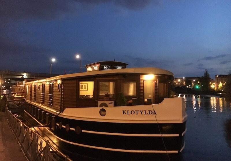 ボートホテル マチルダ 夜の様子