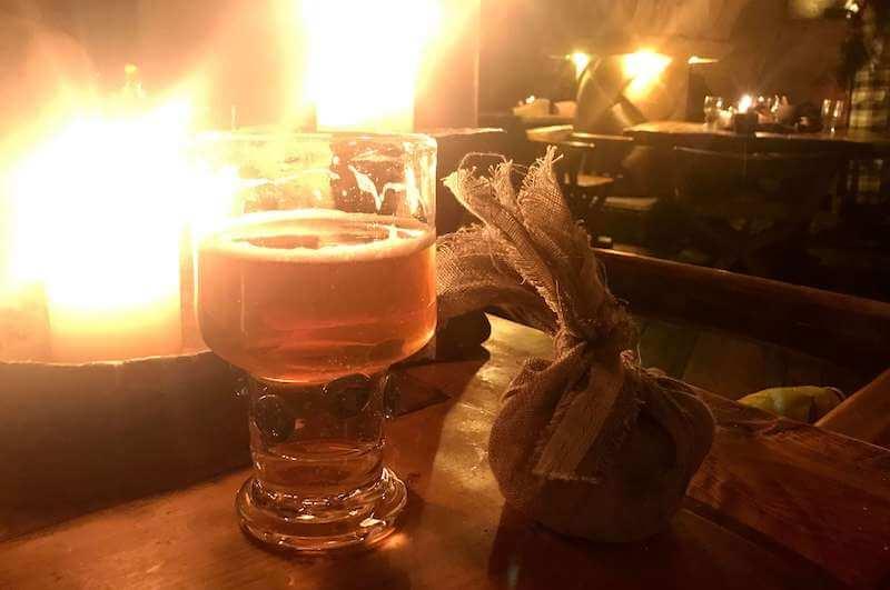 ラトビア・リガ夜のお勧めレストランで中世にタイムスリップ!ローゼングラルス