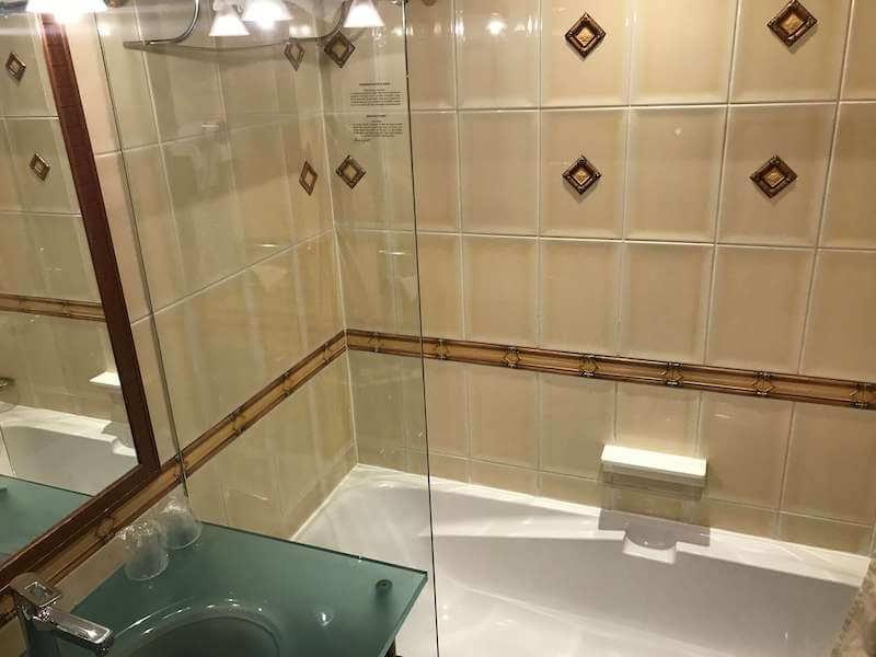 ヴィラ・パンテオンのバスルーム