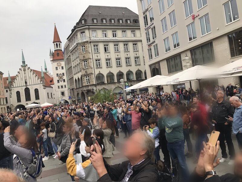 ミュンヘン/マリエン広場のからくり時計◆スリに注意。