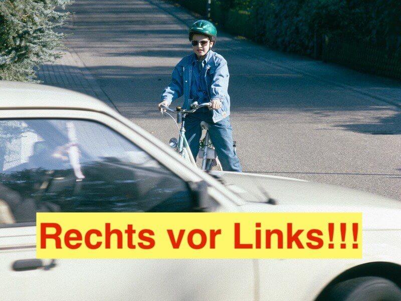 ドイツの道路は右側優先!
