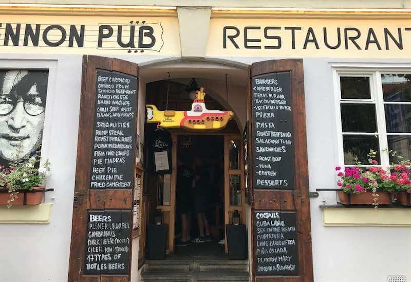 ジョンレノンパブ(John Lennon Pub) プラハ