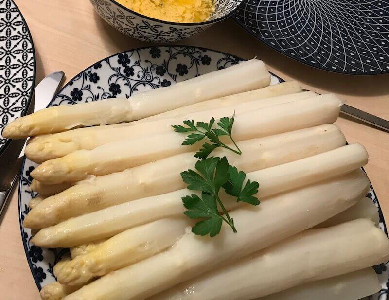 ドイツ、ホワイトアスパラの簡単な食べ方レシピ