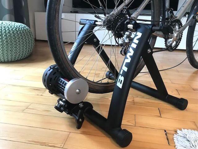 室内ジム 自転車トレーニング 後輪につける